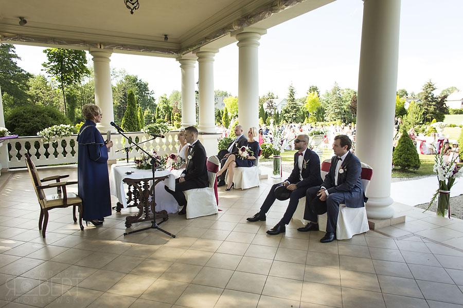Przygotowania do ślubu w Otrębusach