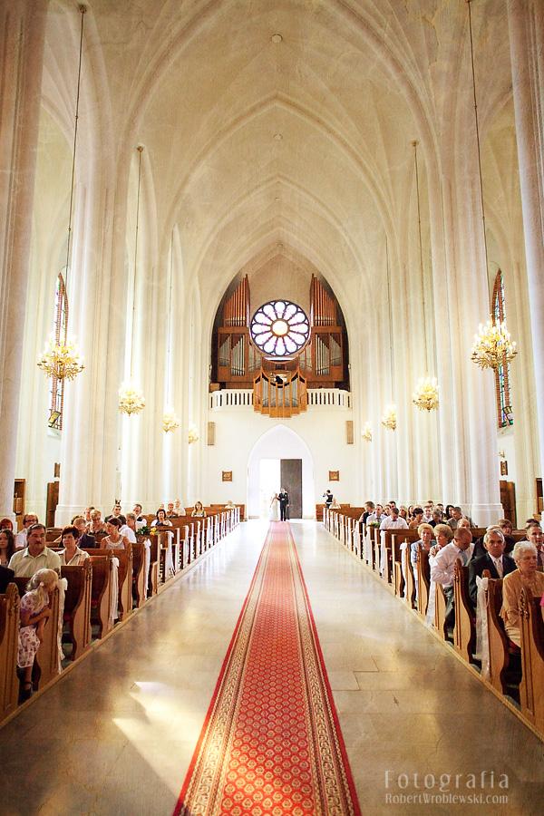 Fotograf Pruszkow - Szerokie ujęcie kościoła w Pruszkowie